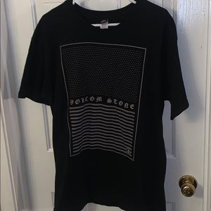 Volcolm tee